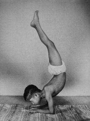Yoga-368ManjuE.jpg